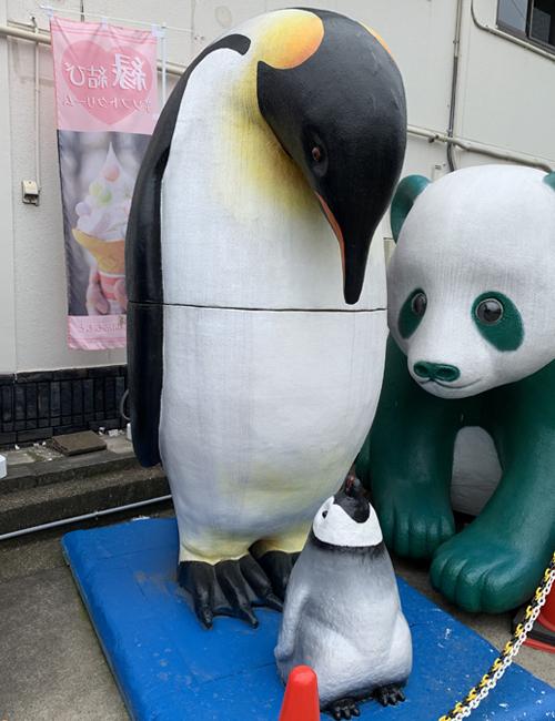 発泡スチロールアート ペンギンの親子