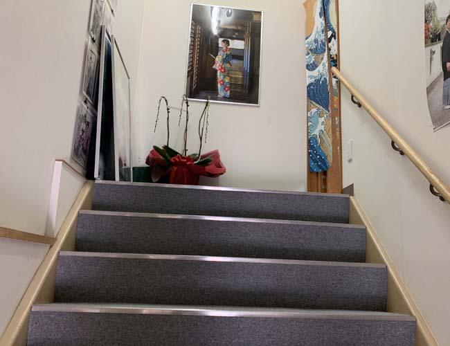レンタル着物 柚屋 入り口の階段