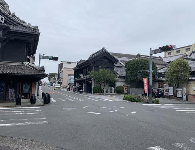 仲町の交差点