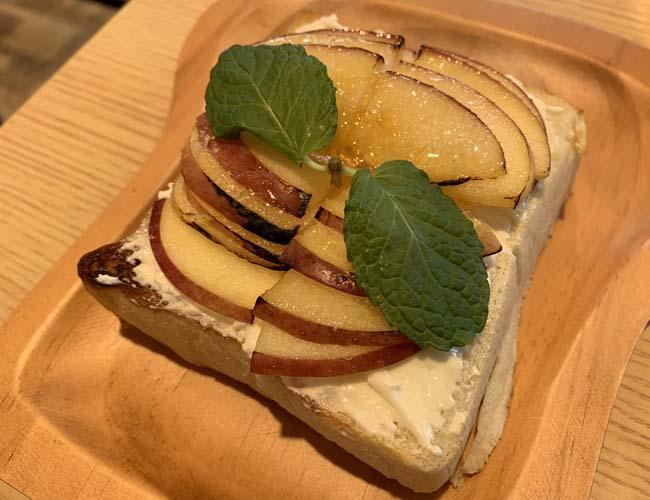 りんごのブリュレトースト