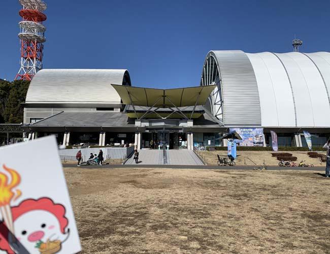 所沢航空発祥記念館前