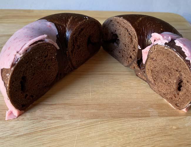 バニトイベーグル 苺チョコクリームベーグル