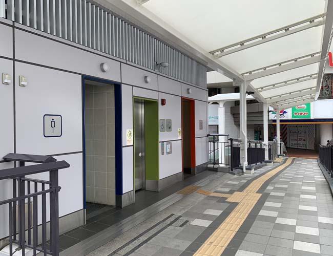 川越駅東口ペディストリアンデッキの公衆トイレ